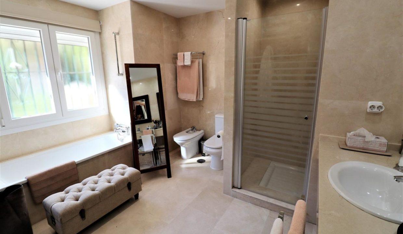 Villa in vendita a Marbella di 331 m2 - AMA Real Estate
