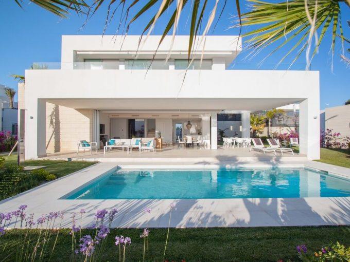 Bellissima Villa a Rio Real con Vista Mare | Marbella