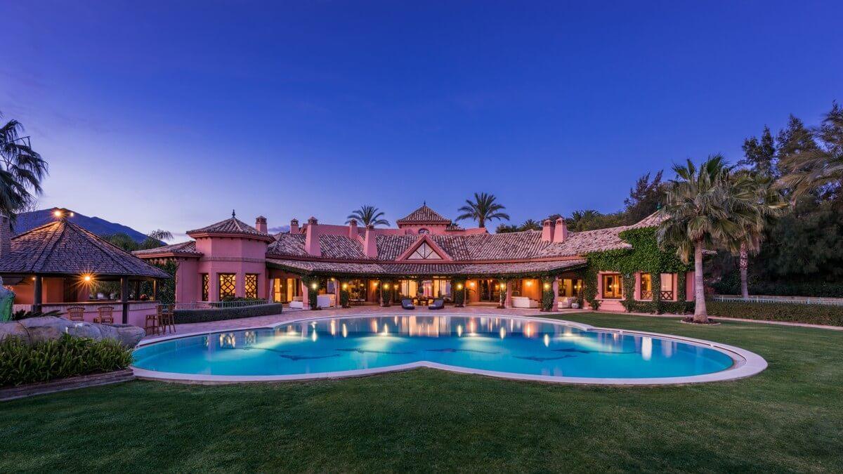 Stupenda villa a Nueva Andalusia