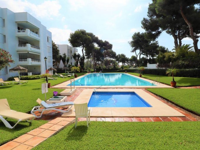 spazioso appartamento a los monteros, marbella