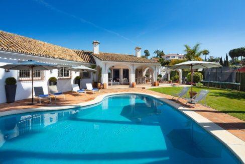 Villa in stile andaluso a EL Rosario, Marbella