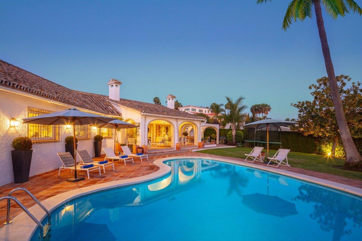 Spaziosa Villa in Stile Andaluso a El Rosario   Marbella